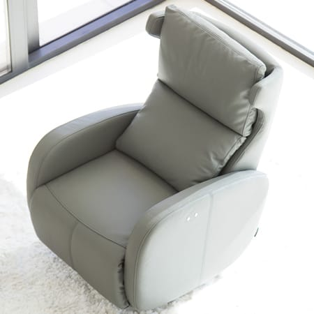 Kim Leather recliner from Fama